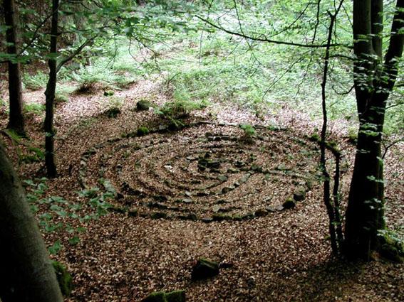 reiki-in-bielefeld-steinkreis