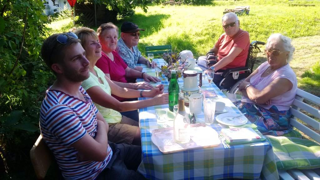 Garten-Terrasse-Pension-Weinig-Gersfeld-Rhoen_11