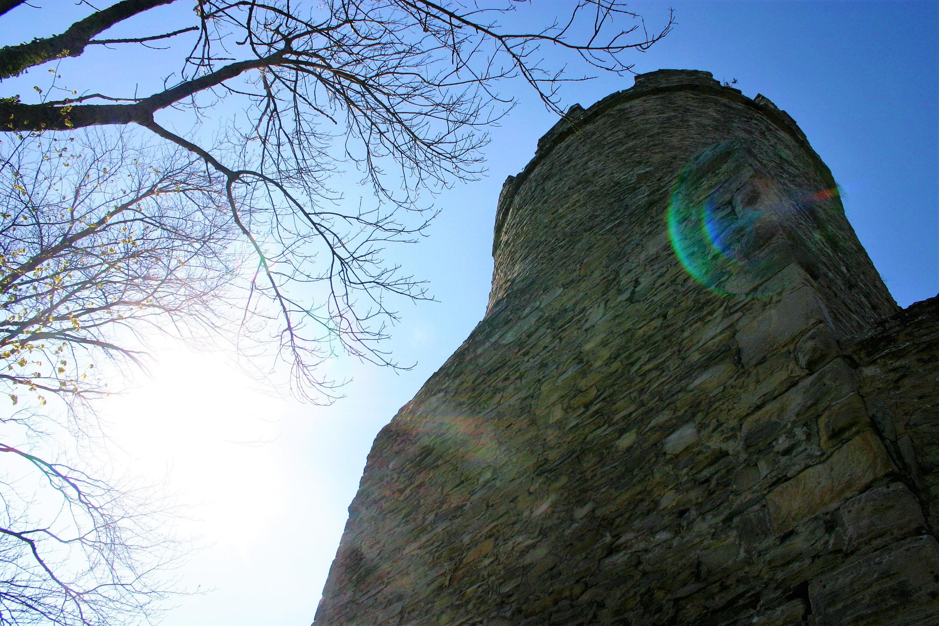 Sonne und Turm